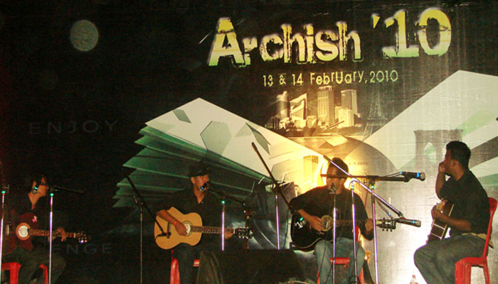archish-2010-7ua6j3u_0035_OLD_MONKS_the_IBA_rock_band